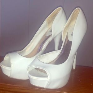 Beautiful white wedged heels!